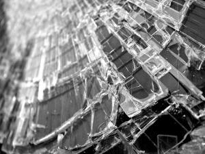 glass-582689_640